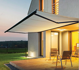 <h3>Retractable Awning</h3>