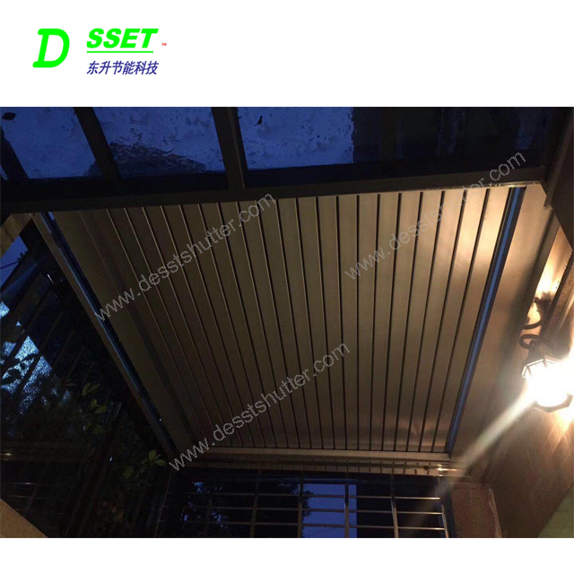 Modern Design Aluminum Automatic Awning Roller Blinds and Blinds Roof